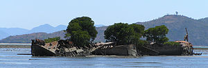 SS City of Adelaide (1863) - The wreck of SS City of Adelaide at low tide.