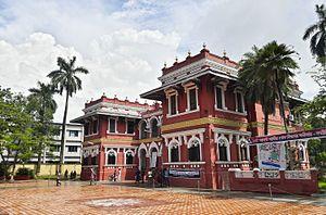 Administrative Building of Rajshahi College 03.jpg