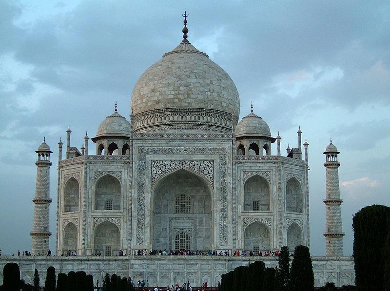 تاج محل  حكاية حب خالدة.. 800px-Agra-Taj-Mahal