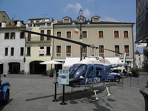 Agusta-Bell AB-206B JetRanger III (PS-67) Polizia di Stato, Italy (4).JPG
