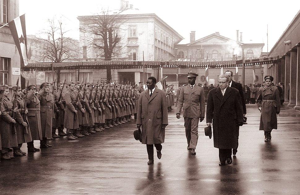 Ahmed S%C3%A9kou Tour%C3%A9 na obisku v Ljubljani 1961 (3)