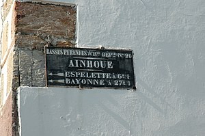 Ainhoa, Pyrénées-Atlantiques - Old street sign on the Elchoinea house