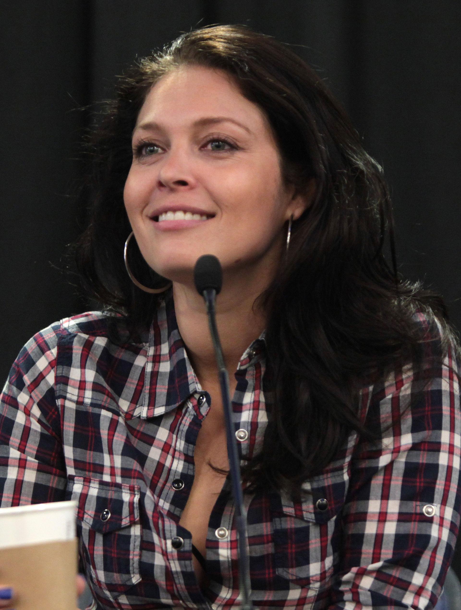 Alaina Huffman Wikip 233 Dia