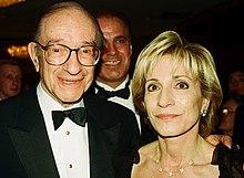 Photo de famille de la personnalité de la télévision &  journaliste, marié à Alan Greenspan,  célèbre pour NBC Nightly News with Brian Williams, Today, MSNBC.