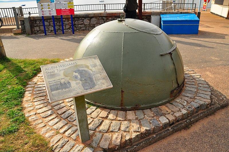 File:Allen-Williams turret by Exmouth beach (6461).jpg