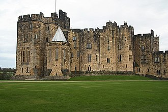 Witchsmeller Pursuivant - Alnwick Castle, the location for King Richard's castle