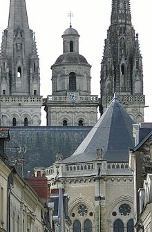 http://upload.wikimedia.org/wikipedia/commons/thumb/7/7f/Angers_croix_d%27Anjou_Cath%C3%A9drale_Saint-Maurice.jpg/220px-Angers_croix_d%27Anjou_Cath%C3%A9drale_Saint-Maurice.jpg