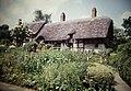 Ann Hathaway Cottage, Stratford-Upon-Avon, England (9816097696).jpg