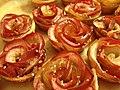 Apple Roses (25619778333).jpg