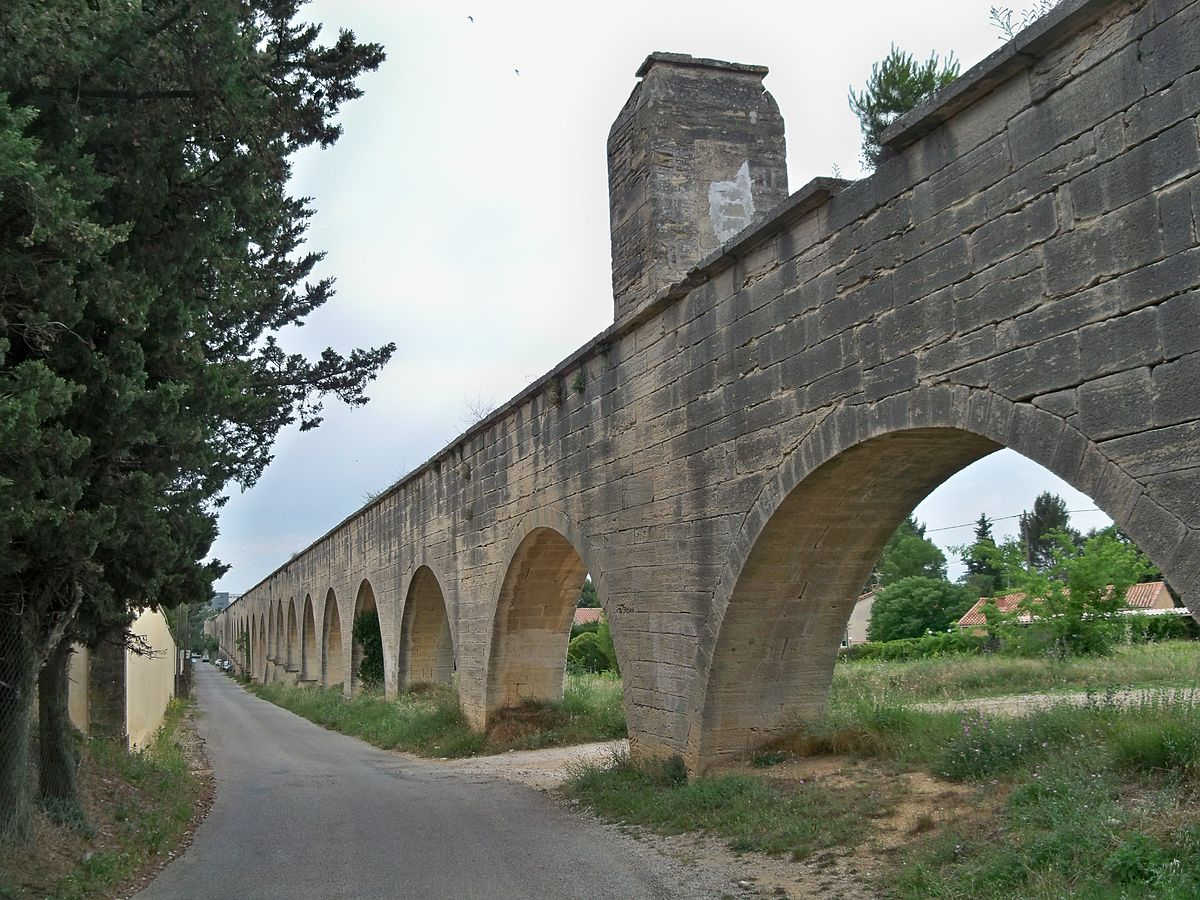 Aqueduc de carpentras wikip dia for Architecte carpentras
