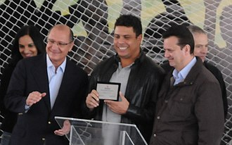 Arena Corinthians - Geraldo Alckmin, Ronaldo and Gilberto Kassab on the day Arena Corinthians was chosen to host the opening match of FIFA World Cup 2014