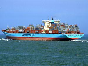 Arnold Maersk p5, leaving Port of Rotterdam, Holland 19-Jul-2007.jpg