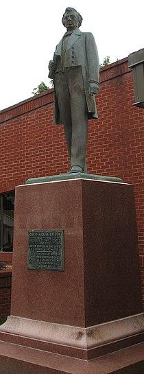 Atchison-statue.jpg