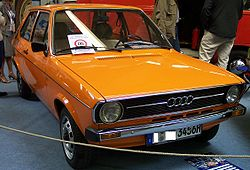 Audi 50 LS 1974 orange vr TCE.jpg