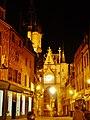 Auxerre Uhrturm bei Nacht 2.jpg