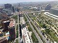 Avenida, y al fondo El OceanoGrafic - Cuidad de las ciencias y las artes en Valencia.jpg