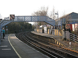Aylesford railway station in 2009.jpg