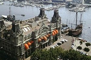 Port Vell - Image: Barcelona, altes Hafenamt mit Hafen und Santa Maria, dem Schiff von Christof Columbus 1971