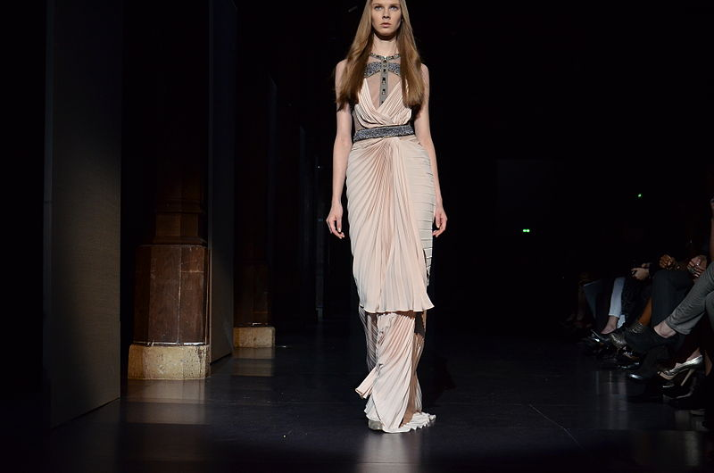 File basil soda spring summer haute couture 2012 31 jpg for Haute couture wikipedia
