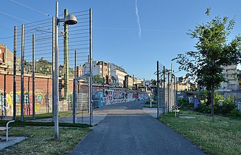 Basketball venue Parkanlage Dunklergasse, Vienna.jpg