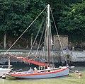 Bateau de pêche breton dans le petit port fluvial de la rivière d'Auray, ici en aout 2018 b.jpg
