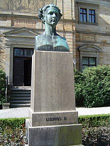 Bust of Ludwig II in front of Wahnfried, Wagner's villa in Bayreuth, which Ludwig had paid for. (Source: Wikimedia)