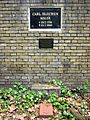 Berlin, Kreuzberg, Bergmannstrasse, Dreifaltigkeitsfriedhof II, Gedenkktafel Carl Blechen.jpg