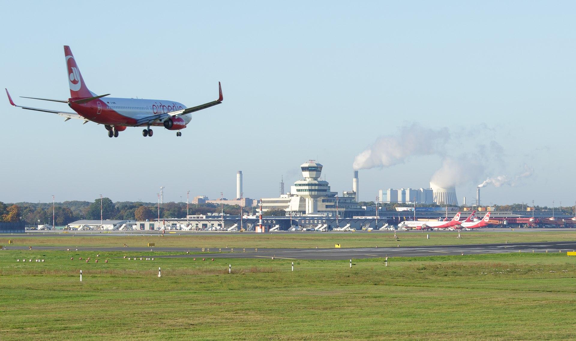 Flughafen Berlin-Tegel – Wikipedia