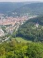 Blick auf Bad Urach von der Burgruine Hohenurach.jpg