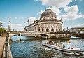 Bode Museum und Monbijoubrücke.jpg