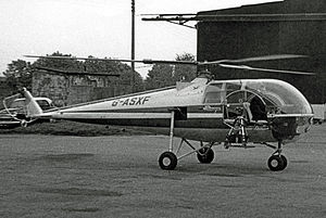 Brantly 305 G-ASXF Kidlington 29.10.66 edited-2.jpg