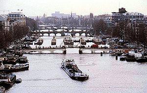 Мости амстердама