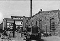Bundesarchiv Bild183-S79103, Schönebeck an der Elbe, Traktorenwerk.jpg
