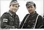 Bundesarchiv Bild 101I-278-0877-18, Russland, dekorierte Soldaten Recolored.jpg