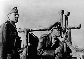 Friedrich Paulus - Paulus (right) and General Walther von Seydlitz-Kurzbach in Stalingrad, November 1942