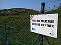Cézembre - clôture terrain militaire défense d'entrer.jpg