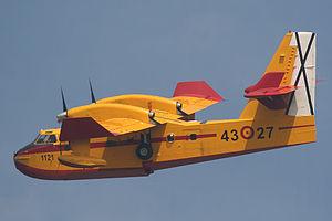 Canadair CL-215T Spanish Air Force UD.13-27 43-27.jpg