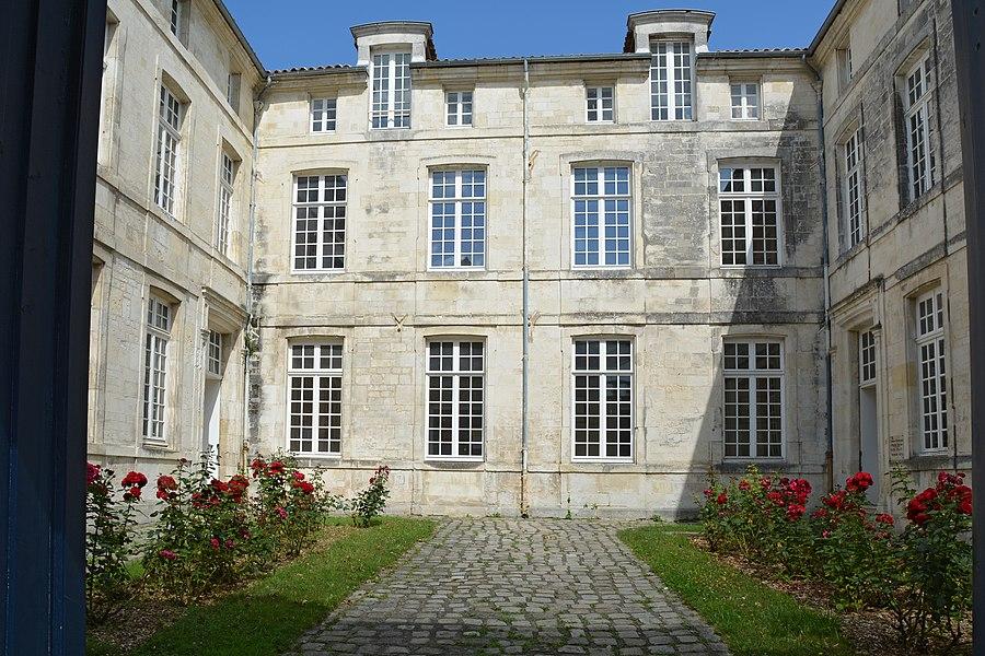Caserne Latouche-Tréville  a Rochefort, Charente-Maritime, France