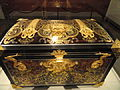 Casket, early 18th century, attributed to Andre-Charles Boulle, oak carcass veneered with tortoiseshell, gilt copper, pewter, ebony - Art Institute of Chicago - DSC09748.JPG