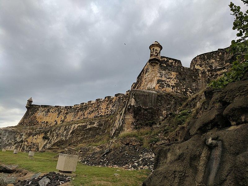 File:Castillo San Felipe del Morro Sentry Tower, San Juan, Puerto Rico 02.jpg