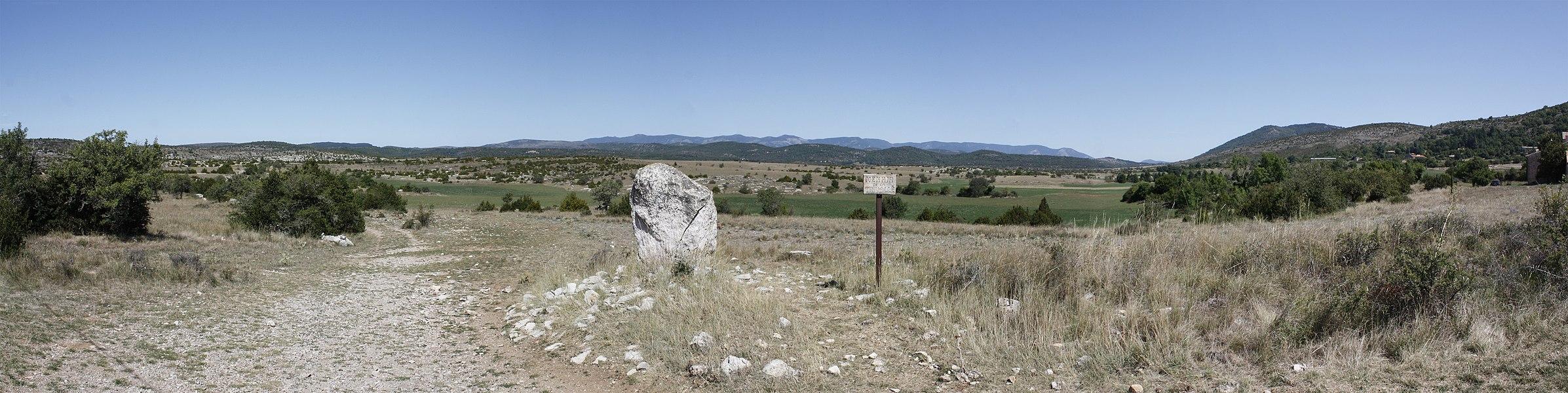 "English:  Panoramic view of the ""Causse de Blandas"", at the Trivallé, toward Saint-Jean-le-Minier (Northeast)."