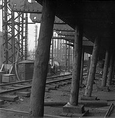 Cecil Beaton Photographs- Tyneside Shipyards, 1943 DB215.jpg