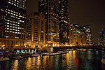 Chicago River at Night (35580104723).jpg