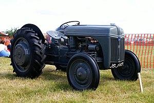 Ferguson TE20 - An English Ford-Ferguson in Suffolk Ford 9N