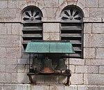Cloches extérieures de l'église de Leschères.JPG