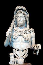 Buste de Commode en Hercule, portant la peau de lion, la massue et les pommes d'or des Hespérides, marbre de Luni, 191-192 ap. J.-C., musées du Capitole (MC 1120).