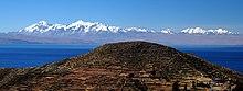Vista de La Cordillera Central desde la Isla del Sol