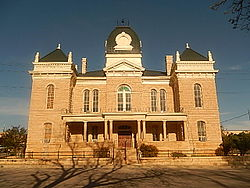 Crockett County, TX Courthouse in Ozona DSCN1392.JPG