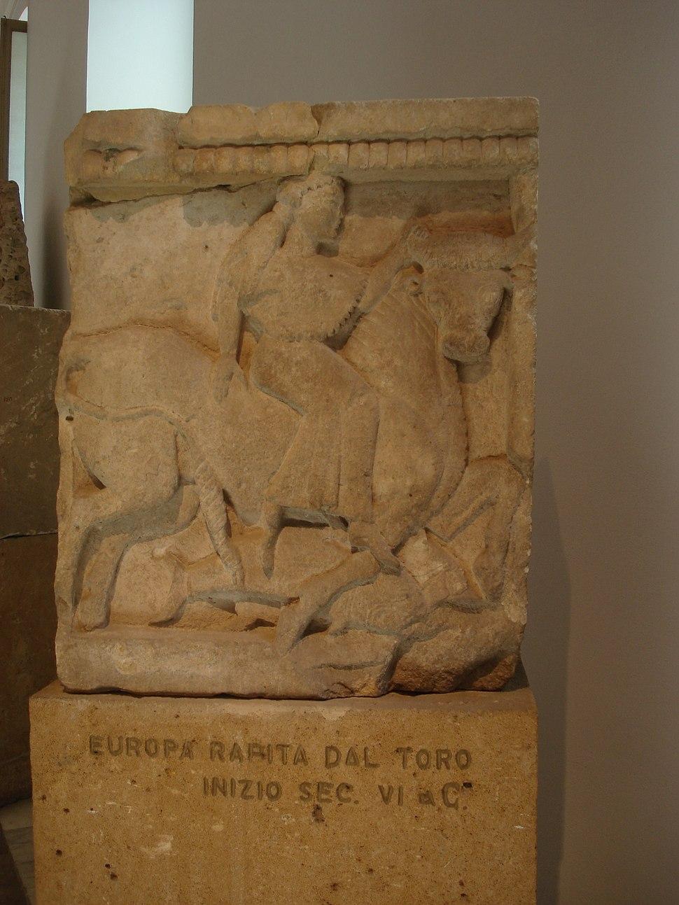 DSC00412 - Tempio Y di Selinunte sec. VIIa.C. - Europa rapita dal toro - Foto G. Dall'Orto