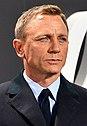 "Daniel Craig - Film Premiere ""Spectre"" 007 - on the Red Carpet in Berlin (22387409720) (cropped).jpg"
